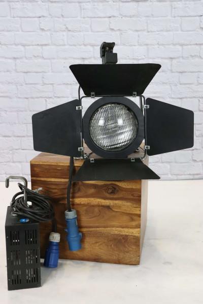StudioPar Daylight 575MSR / Barndoor / Lense MFL