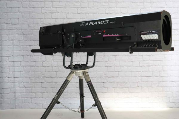 Robert Juliat Aramis 2500 W HMI / 4,5-8° DMX